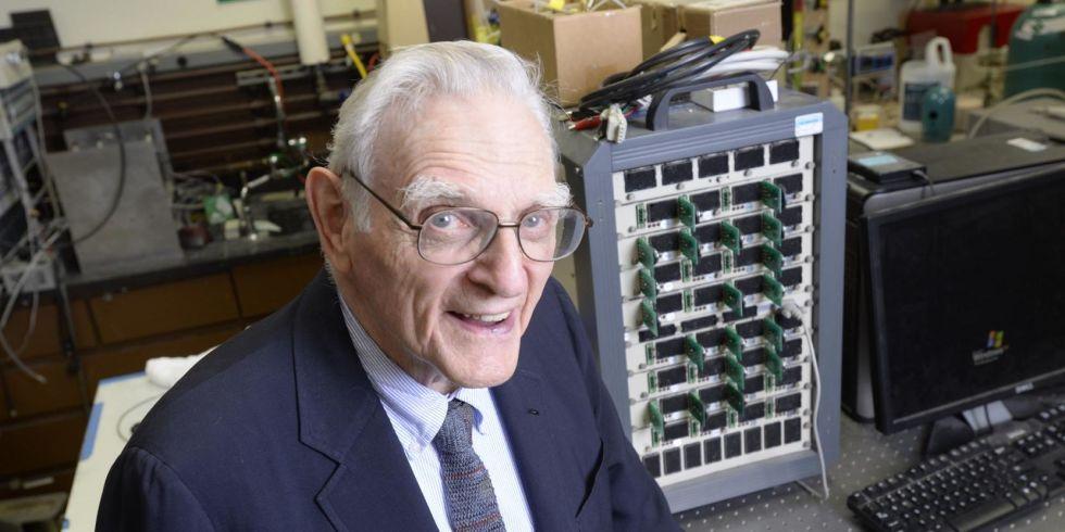 Obrázek: Změní znovu svět? Vynálezce Li-ion baterií přichází s jejich dokonalejší verzí