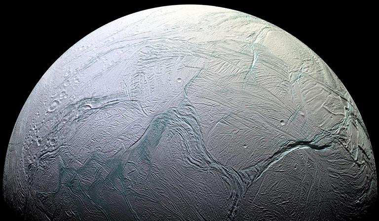 Obrázek: Další život ve vesmíru je prakticky nevyhnutelný, měsíc Saturnu by jej mohl ukrývat