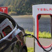 Obrázek: Stanice Tesla Supercharger by v příštím roce měly pokrýt celou Evropu